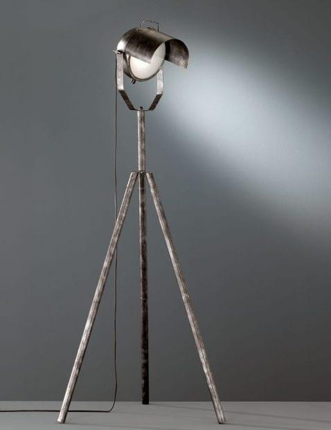 Stoere-driepootlamp-4