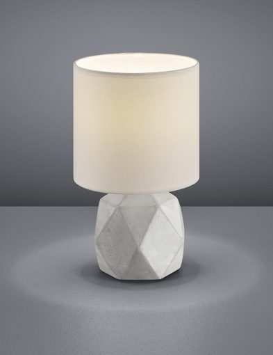 Tafellamp-betonnen-voet-en-witte-kap-1