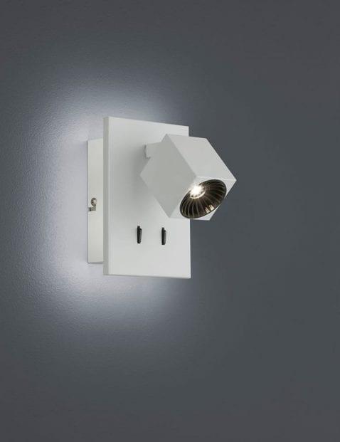 Witte-kantelbare-wandlamp-2