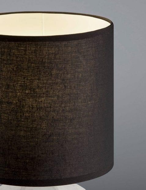 Zwarte-tafellamp-grijze-voet-2