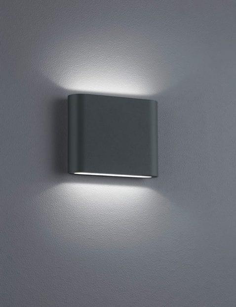 Zwarte-wandlamp-modern-1