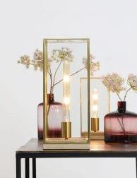 Lange-tafellamp-met-licht-hout-en-gouden-details-1