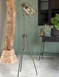 Rustieke-bruine-driepotige-vloerlamp-1