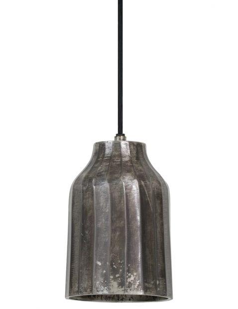 Simplistische roestend zwarte hanglamp