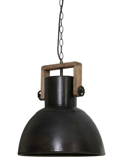 Zwarte industriële lamp met hout