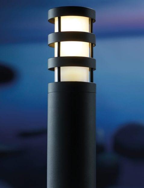 Kunststof-staande-buitenlamp-2173ZW-1