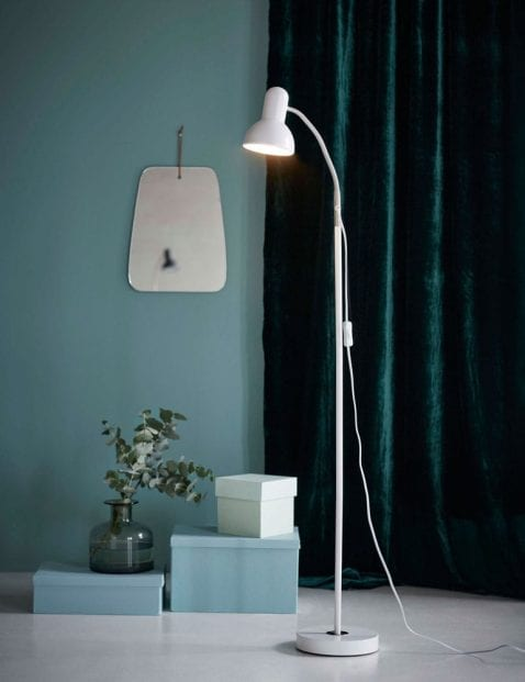 Witte-vloerlamp-met-kapje-2382W-1