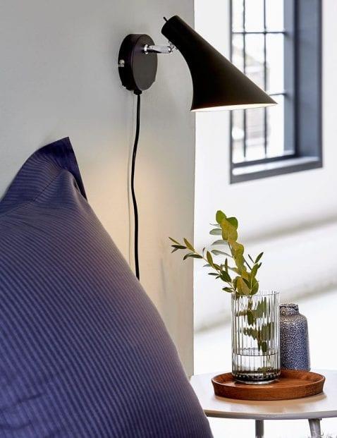 Zwarte-design-wandlamp-2393ZW-1