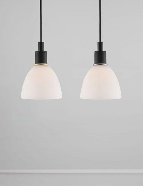 Zwarte-hanglamp-met-wit-kapje-2359ZW-1