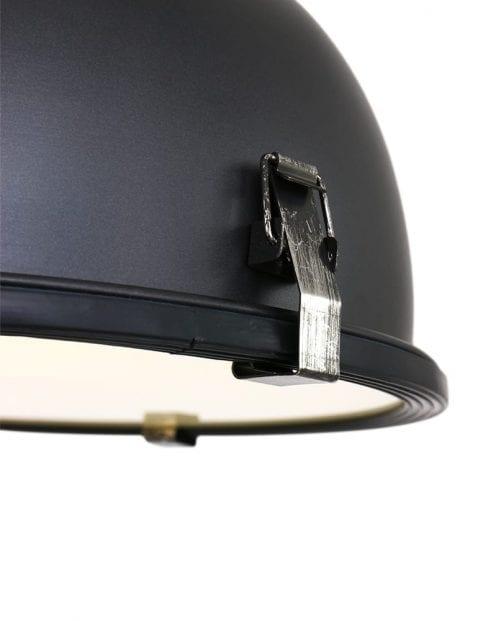 Zwarte-industriele-hanglamp-7978ZW-2