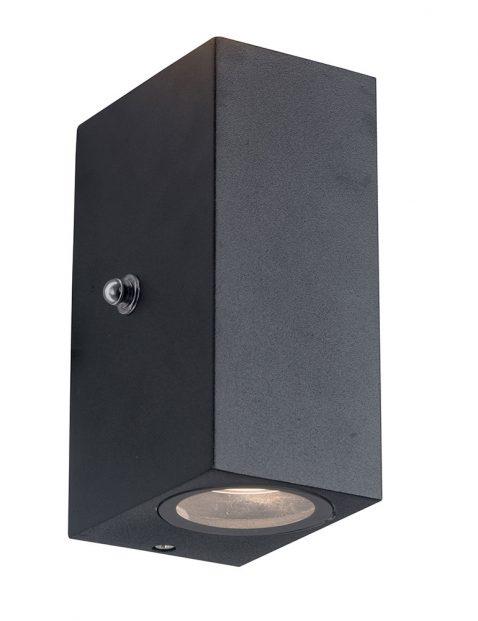Buiten wandlamp met schemersensor Steinhauer Poro zwart